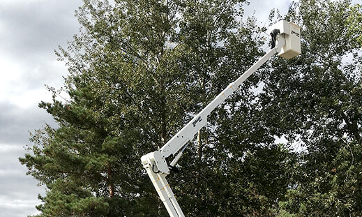 Bucket Trucks and Towing Equipment Sales and Rentals   Mobile Lifts, LLC